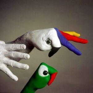 arte-creativo-manos-8-300x300
